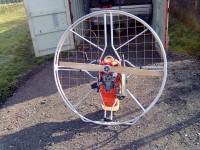 ukradený paraglidingový motor