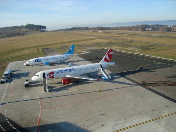 nový apron Karlovy Vary letiště LKKV