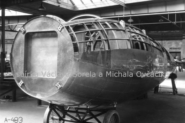 dopravní letadlo ve výrobě