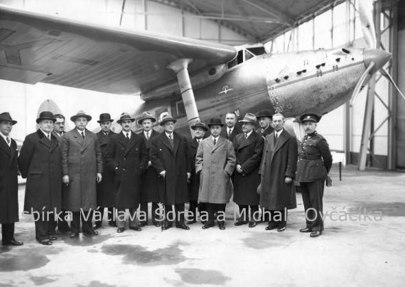 prototyp letadla v továrně Avia Praha Letňany