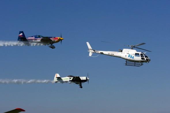 skupina vrtulníku a akrobatických speciálů