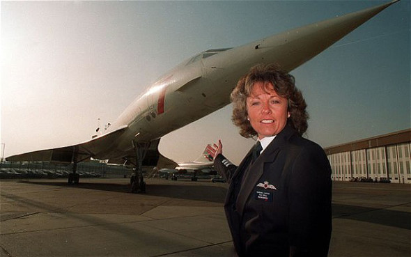 Barbara Harmer s Concorde na letišti Heathrow Foto BA
