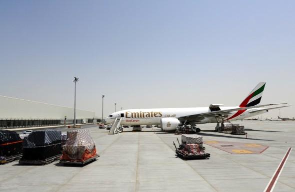 Boeing 777 Emirates SkyCargo v novém terminálu
