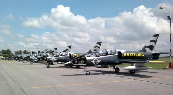 Breitling Jet Team na LKVO 007