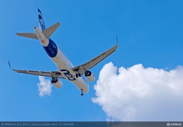 A320neo_first_flight_air_to_air_5
