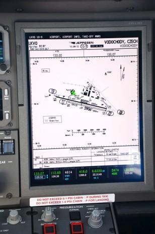 NetJets Challenger 350 04