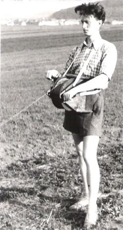 Z Bedřich jako modelář v roce 1946