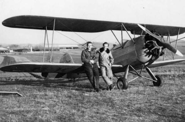 Zdeněk u He 72D v Medlánkách v roce  1952