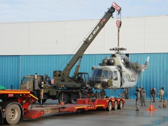 nakládání vrtulníku Mi 171