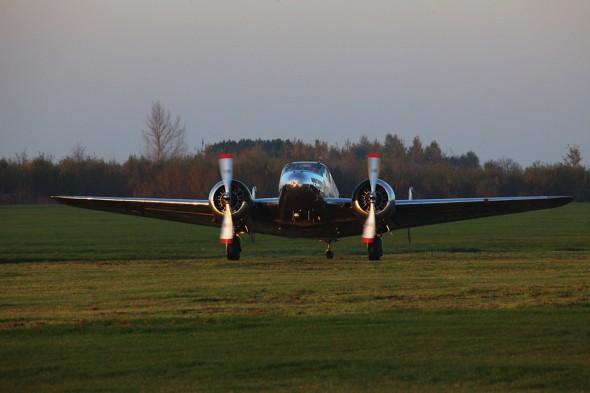 Beechcraft C-45H 02