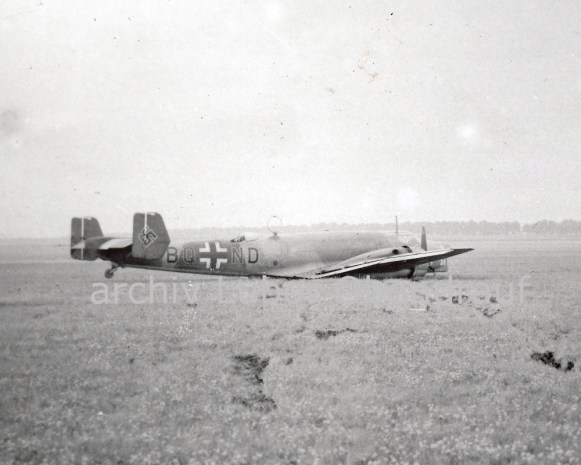 Havarovaný letoun Luftwaffe u Ruzyně