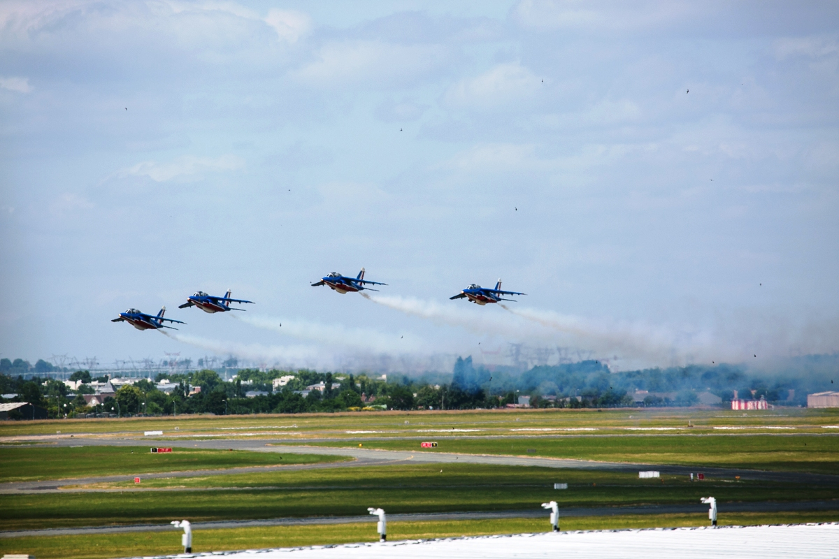 Ohl dnut za pa sk m aerosal nem 2015 pilotinfo for Air show paris 2015