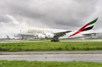 Airbus A 380 Emirates landing