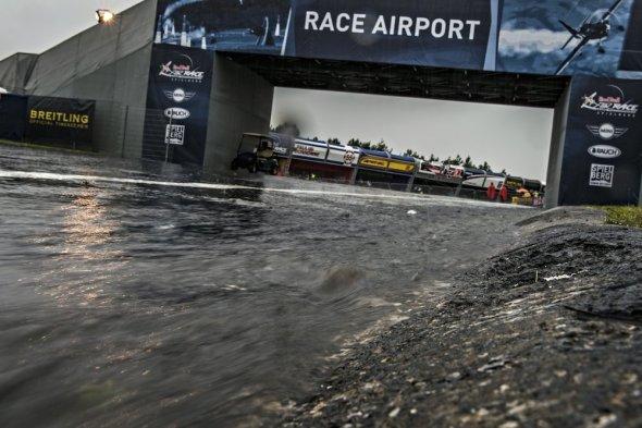 Red Bull Air Race v dešti