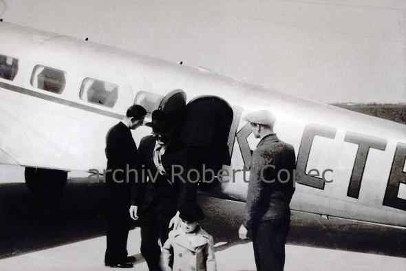 Lockheed-L-10A-Electra-(OK-CTB)_Bata_xBorovo-193x