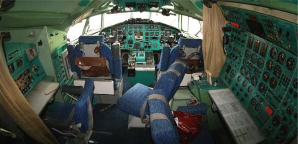 Kokpit Tu 154
