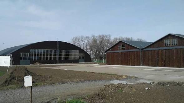 opravené hangáry Stará Aerovka