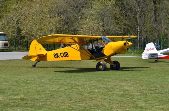 Letiště Točná čarodejnice 2016 Piper 18 Supec Cub