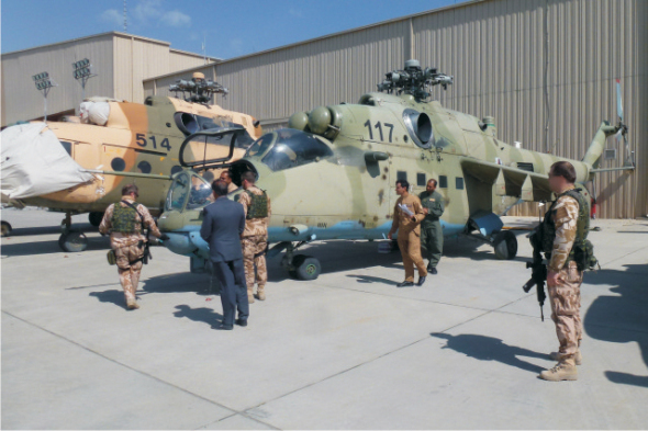 Vrtulník Mil Mi 24 používaný k pozemnímu výcviku v Afghánistánu
