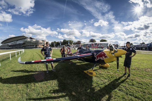 Martin Šonka Red Bull Ascot 2016 na dráze