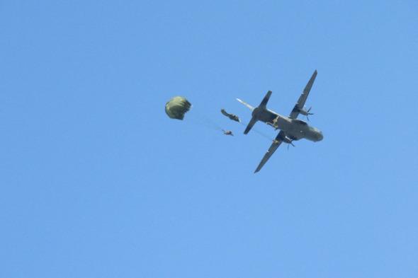 cvičení Sky Soldier II výsadek z letounu CASA