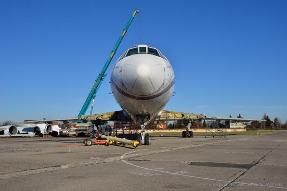 rozebírání Tupolevu Tu 154 Praha Kbely