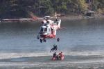 vrtulník W3A Sokol nad přehradou Hracholusky