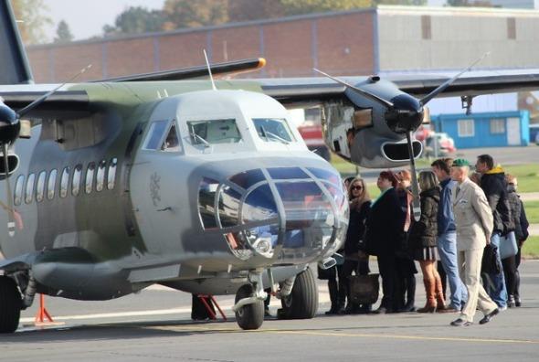 Let L 410 FG základna Praha Kbely