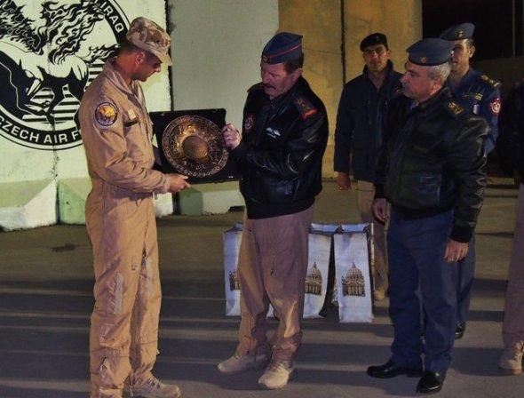 Velitel leteckého poradního týmu a velitel Iráckých vzdušných sil
