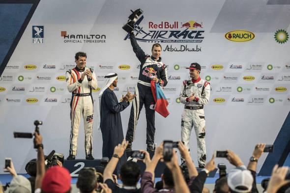 Martin Šonka finále Red Bull Air Race 2017 na stupních vítězů