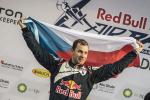 Martin Šonka finále Red Bull Air Race 2017 na prvním místě