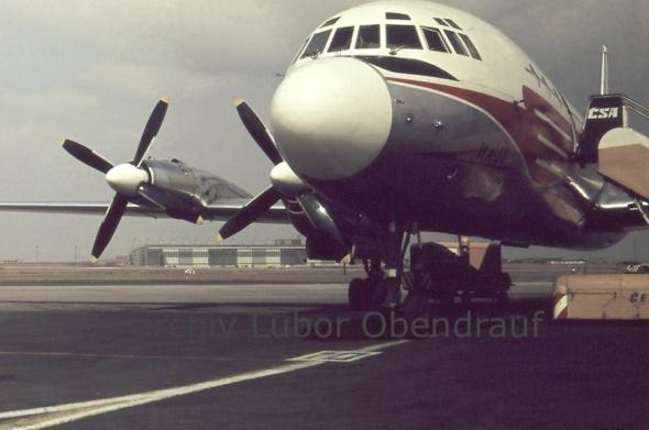 rok 1966 a IL18 ČSA na letišti Praha Ruzyně