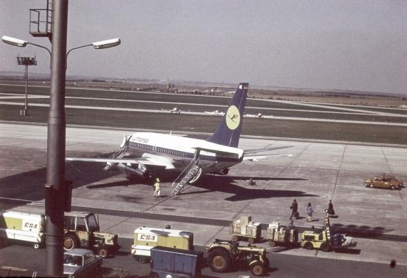 rok 1973 B737 Lufthansa 1.pol. 70.let