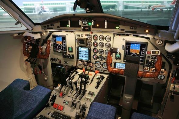 Simulátor L 410 kokpit
