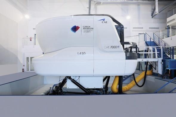 Simulátot Let L 410 exteriér