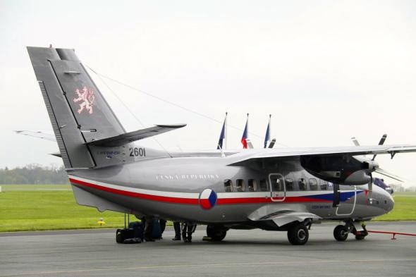 L 410 Turbolet na základně Praha Kbely