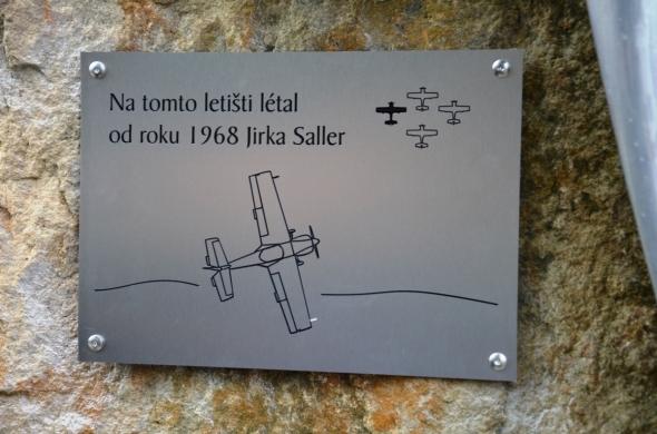 pamětní deska Jirky Sallera