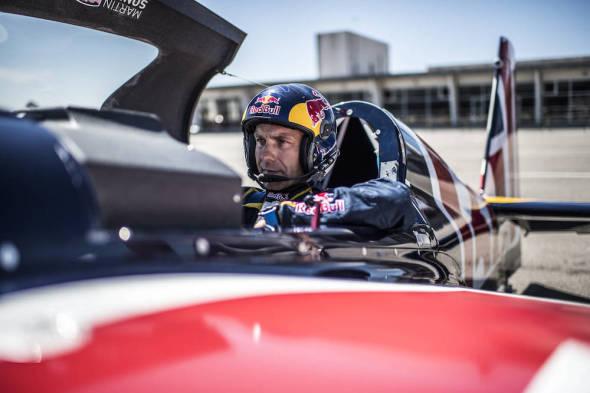 Martin Šonka před startem do finále Red Bull Air Race 2017 Porto