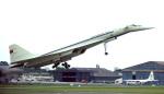 Tupolev 144 startuje