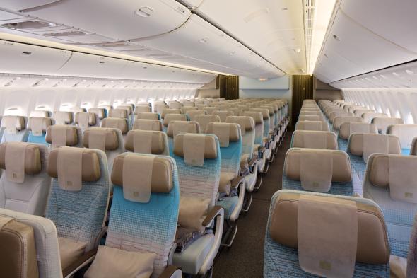 Emirates Boeing 777 300ER ekonomická třída