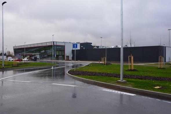 Terminál letiště Pardubice před dokončením