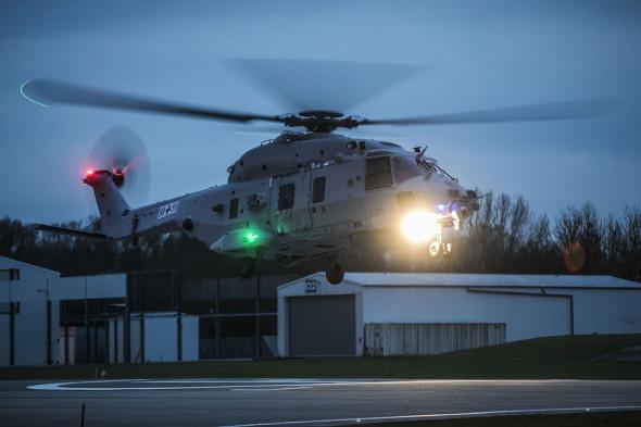 vzlet druhého prototypu vrtulníku NH90 Sea Lion