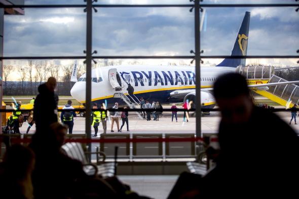 první odlet z nového terminálu letiště Pardubice
