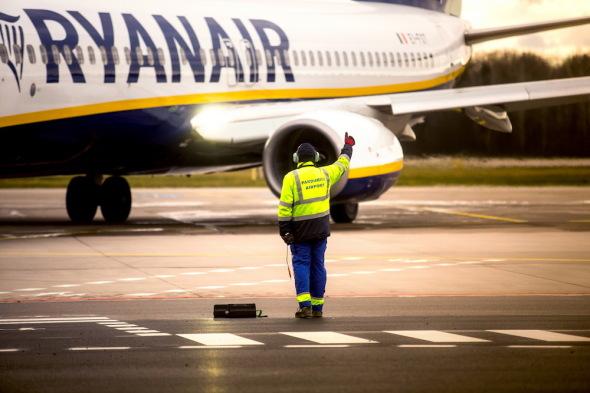 první odlet z nového terminálu letiště Pardubice Ryanair