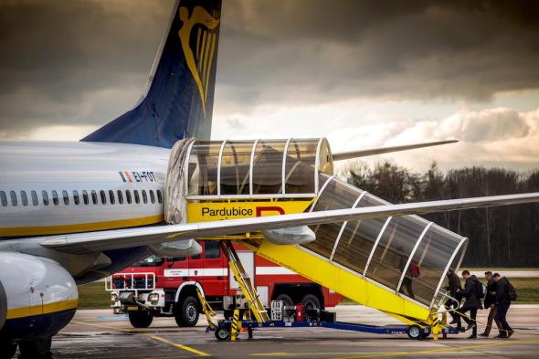 první odlet z nového terminálu letiště Pardubice na ploše