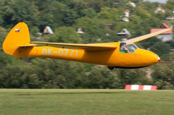 Letov LF 107 Luňák ok 0771 přistání
