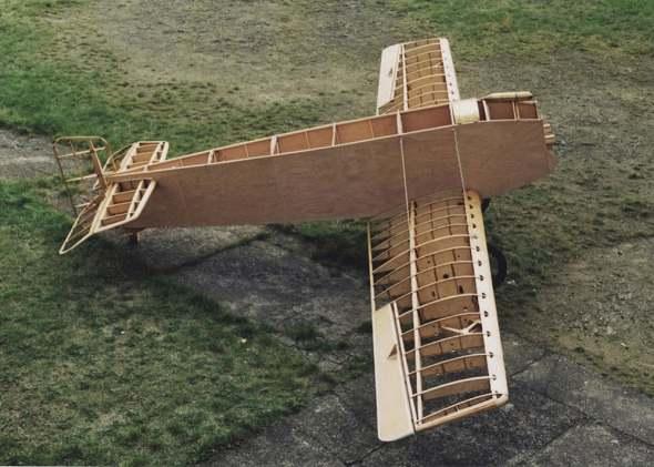 stavba repliky Avia BH1exp na letišti Točná