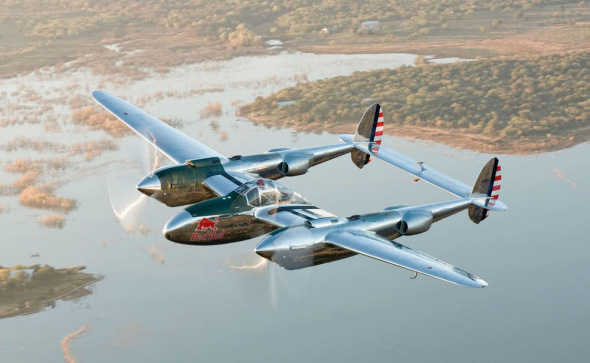 Lockheed P 38 Lightning Red Bull