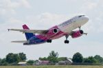 Wizz Air Airbus A321 vzlet