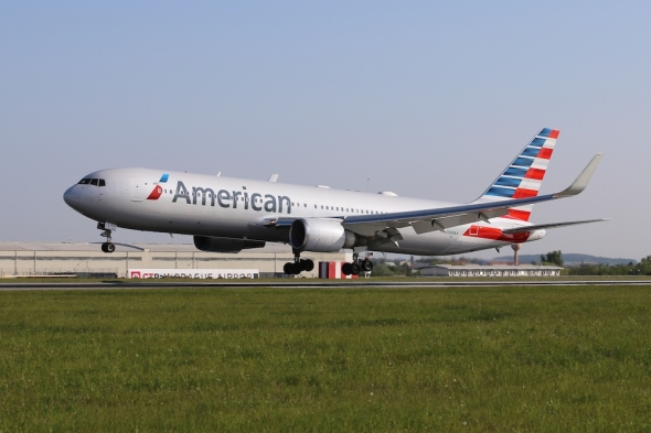 Boeing 767 300 American Airlines Prague Airport first landing